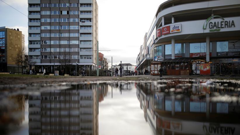 NPD: Rechtsextreme verteilen Reizgasampullen in Cottbus