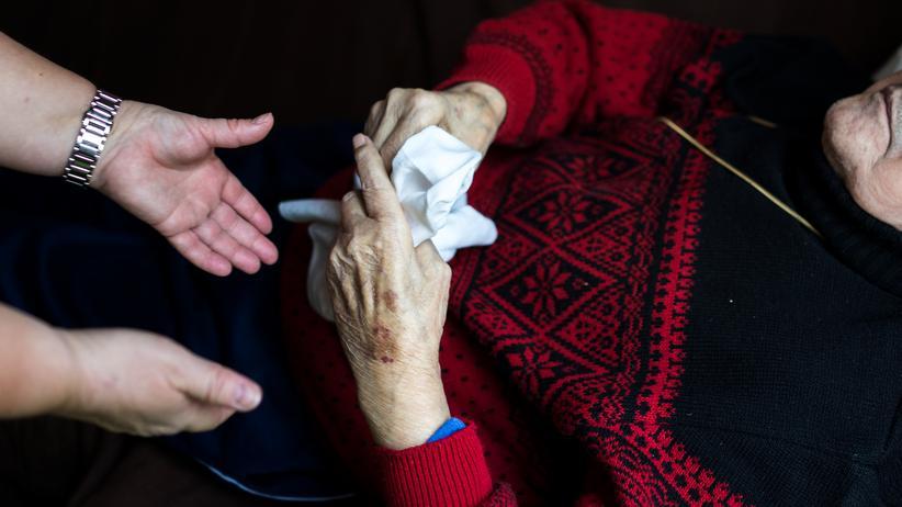 Pflegequalitätsbericht: Versorgung in Pflegeheimen hat sich verschlechtert