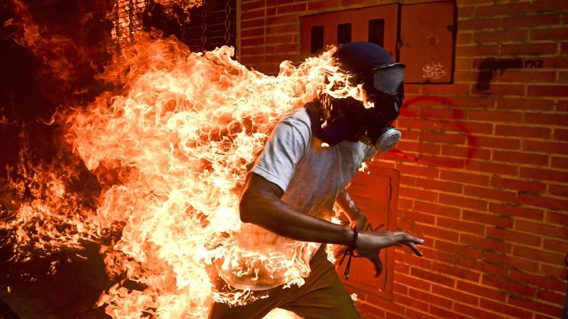 World Press Photo: Weltweit bestes Pressefoto zeigt Mann in Flammen