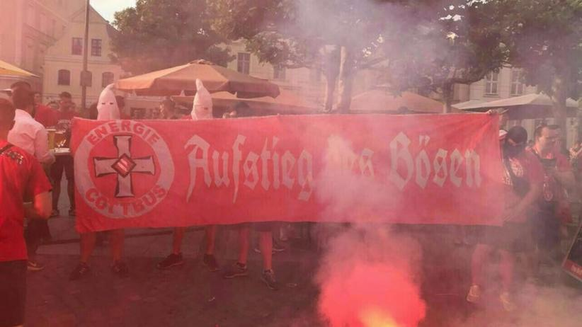 FC Energie Cottbus: Staatsschutz ermittelt wegen Ku-Klux-Klan-Foto