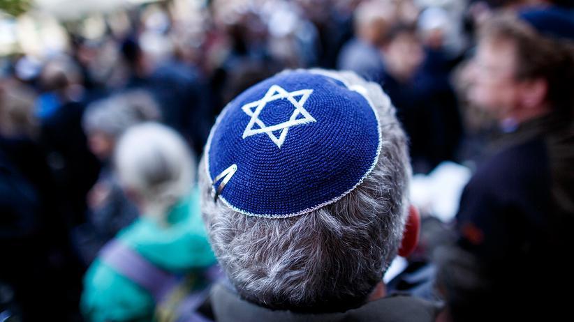 Religiöse Diskriminierung: Berlin trägt Kippa – unter dem Motto hatten viele Berliner gegen Antisemitismus demonstriert.