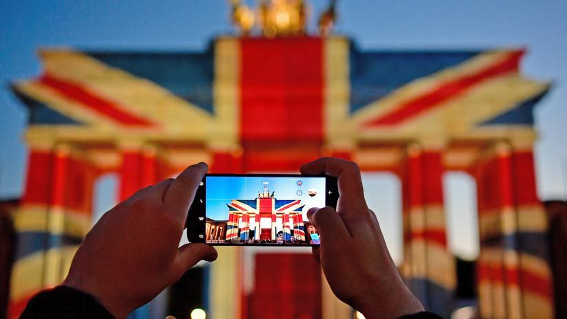 Brexit: Das Brandenburger Tor erstrahlt im Juni 2017 in den Farben des Vereinigten Königreichs.