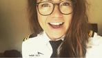 Sexismus: Pilotin nimmt Sexismus zweier Passagiere in einem Satz auseinander