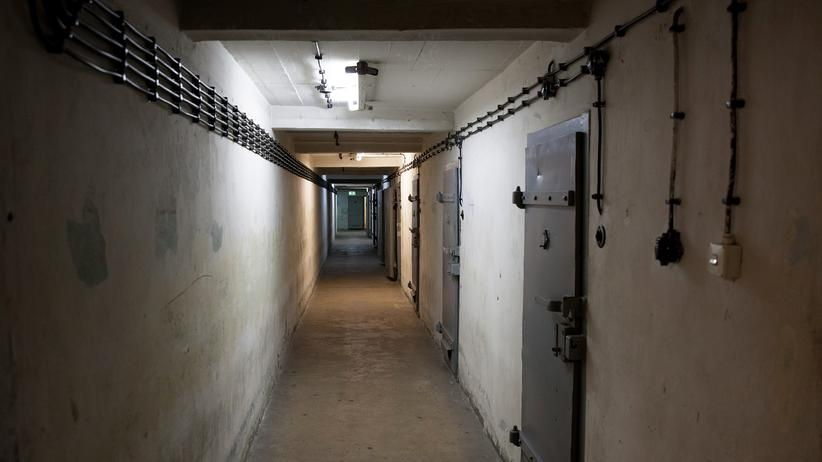 Stasi-Gefängnis: Korridor im ehemaligen Stasi-Gefängnis in Berlin-Hohenschönhausen.