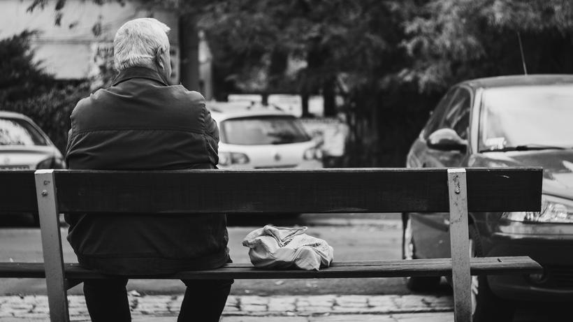 Rente  Rentnerpaaren geht es finanziell meist besser als Alleinstehenden 26f8d3ba99