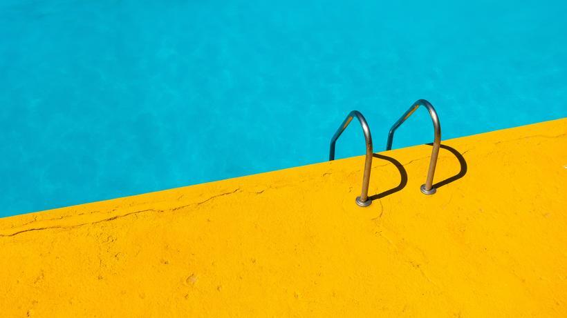 Schwimmbäder: Nur 36 Prozent der 14- bis 29-Jährigen hat in der Schule schwimmen gelernt.