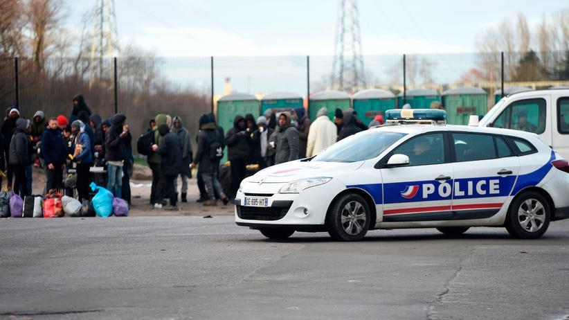 Calais: Französische Polizei soll Flüchtlingshelfer eingeschüchtert haben