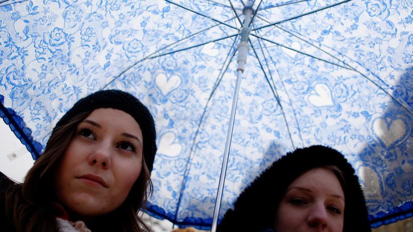 Ungarn: Studentinnen demonstrieren in Budapest gegen die Bildungspolitik in Ungarn (2012)