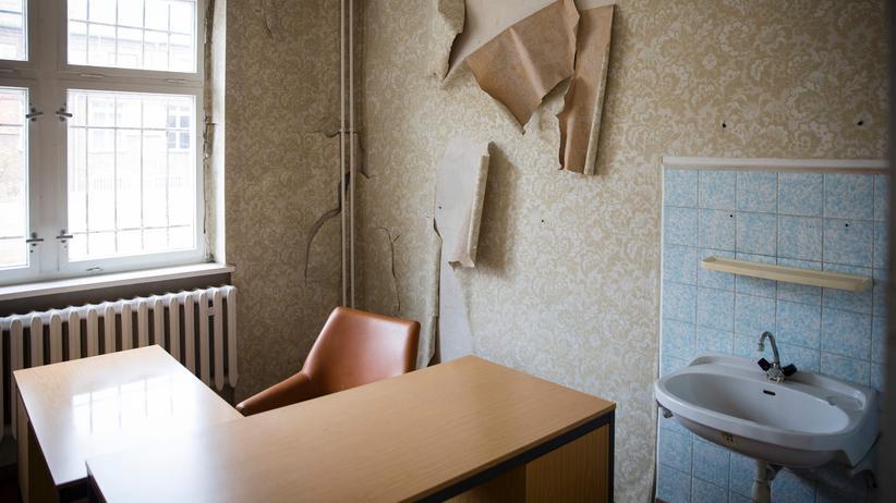 Hohenschönhausen: Vizedirektor der Stasigedenkstätte nach Sexismusvorwürfen beurlaubt