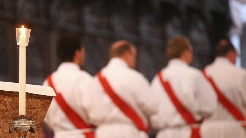 Missbrauchsstudie: 13.560 Pfarrer umfasst die katholische Kirche derzeit – und 1670 Missbraucher zählt der Untersuchungsbericht.