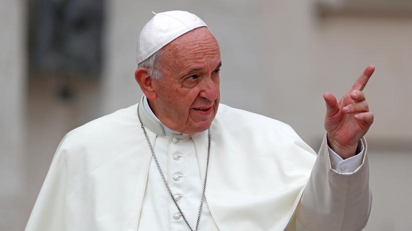 Vatikan: Papst schließt zwei chilenische Bischöfe wegen Missbrauchs aus
