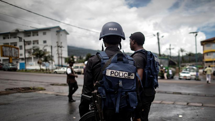 Cameroon: Policemen in the English-speaking part of Cameroon