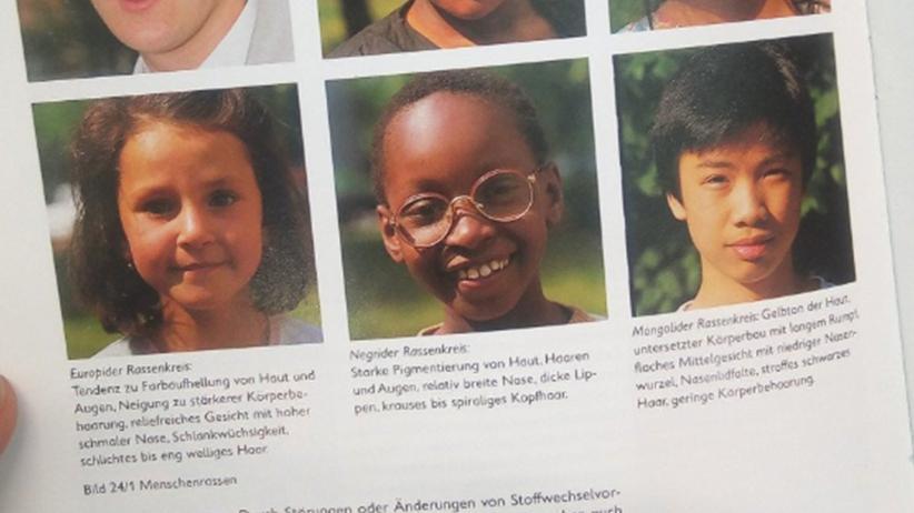 """""""Negrider Rassenkreis"""": Wie ein rassistisches Lehrbuch in Sachsen im Schulunterricht landete"""