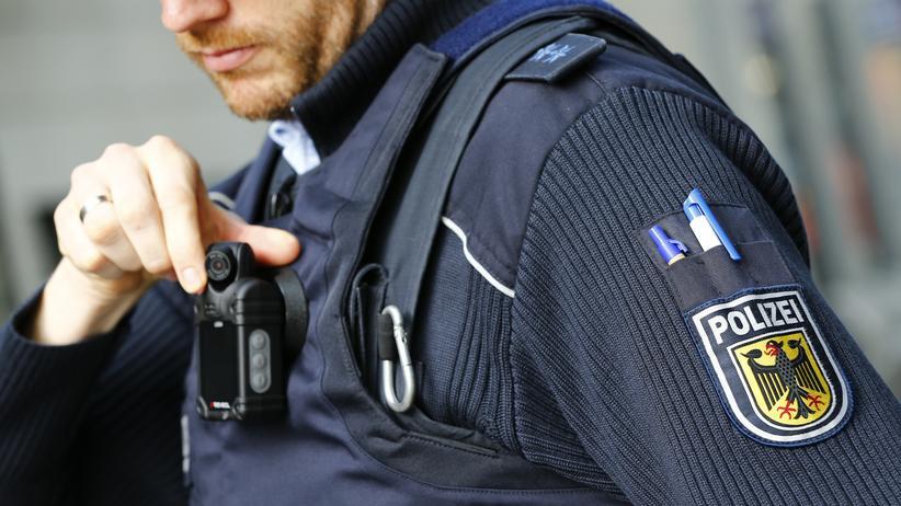 Innere Sicherheit: Bundespolizei darf Bodycams einsetzen