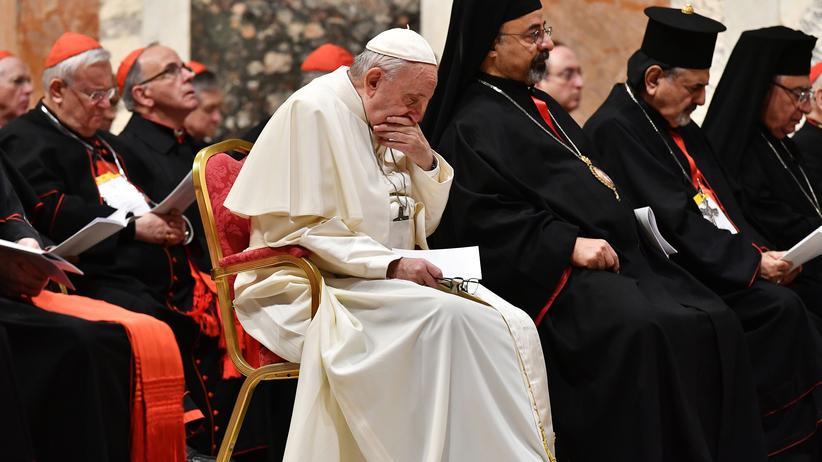 Vatikan-Konferenz: Papst sieht besondere Verantwortung der Kirche bei Missbrauch