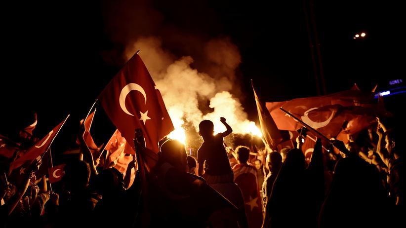 Türkei: Türkische Justiz fahndet nach weiteren angeblichen Gülen-Anhängern