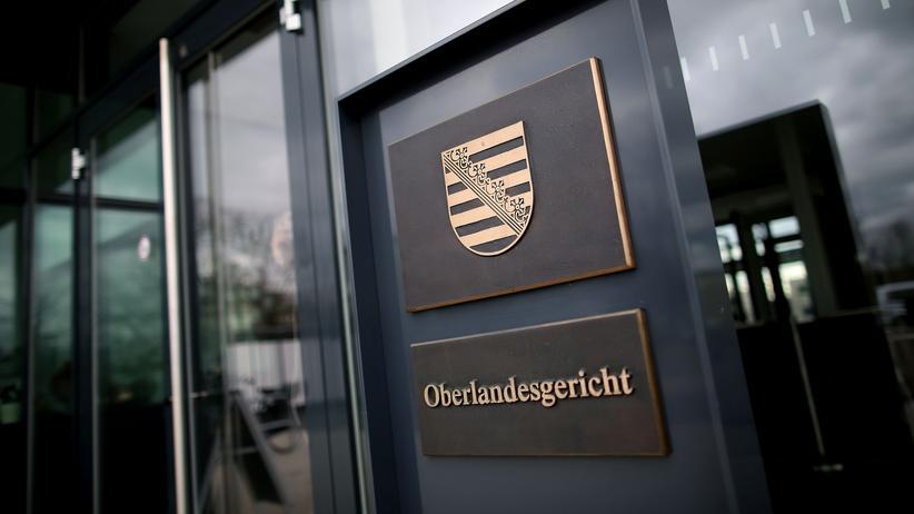 Chemnitz: Sächsische Justiz suspendiert vier Mitarbeiter