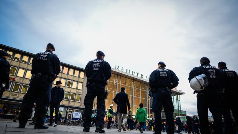 Köln: Bei der Kölner Staatsanwaltschaft waren im Zusammenhang mit der Silvesternacht 2015 mehr als 1.000 Anzeigen eingegangen.
