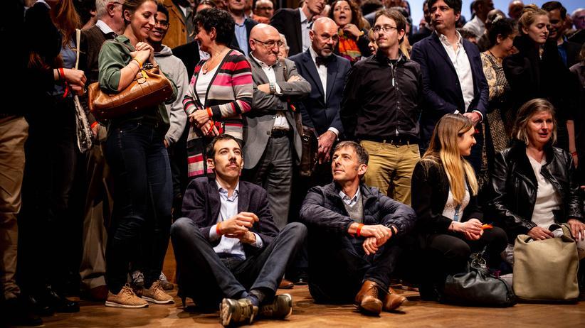 """""""Europe Talks"""": Rund 500 Teilnehmerinnen und Teilnehmer haben im Bozar in Brüssel an der Veranstaltung """"Europe Talks"""" teilgenommen."""