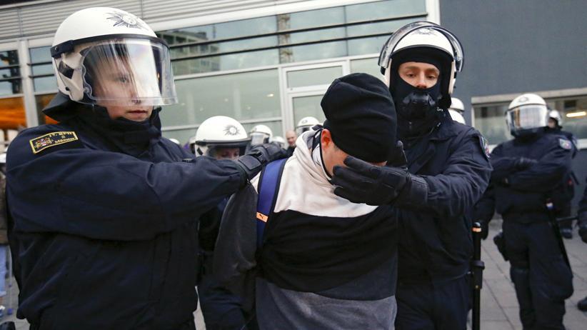 Rechte Gewalt: 200 Ermittlungsverfahren gegen Pegida-Anhänger in Sachsen