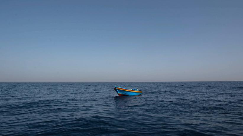 Tunesien: Beim Untergang eines Flüchtlingsboots im Mittelmeer werden erneut zahlreiche Menschen vermisst.