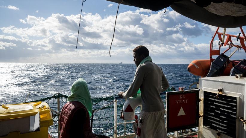 """Seenotrettung: Wie geht es weiter im Konflikt um die """"Sea-Watch 3""""?"""