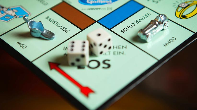 """Gender-Pay-Gap: Bei """"Ms Monopoly"""" verdienen Frauen mehr Geld als Männer"""