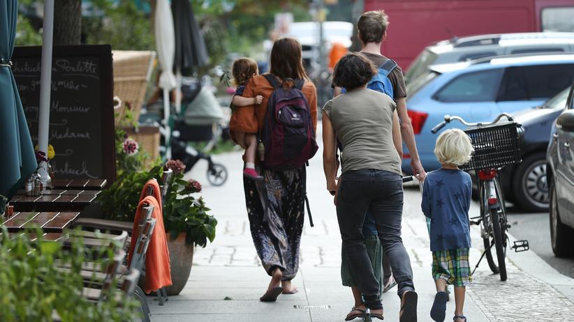 Deutsche Einheit: Eltern mit Kindern unterwegs in Berlin