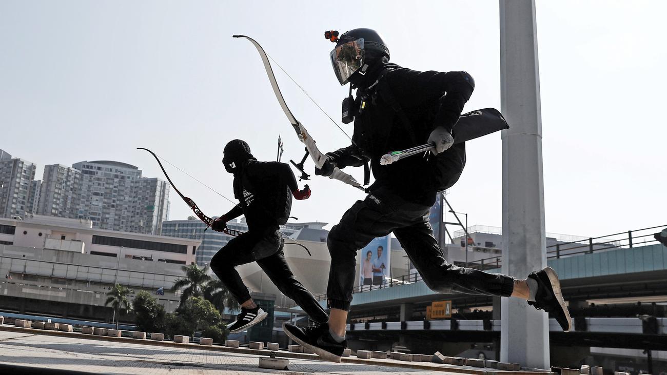 Hongkong: Polizei in Hongkong droht mit Einsatz scharfer Munition