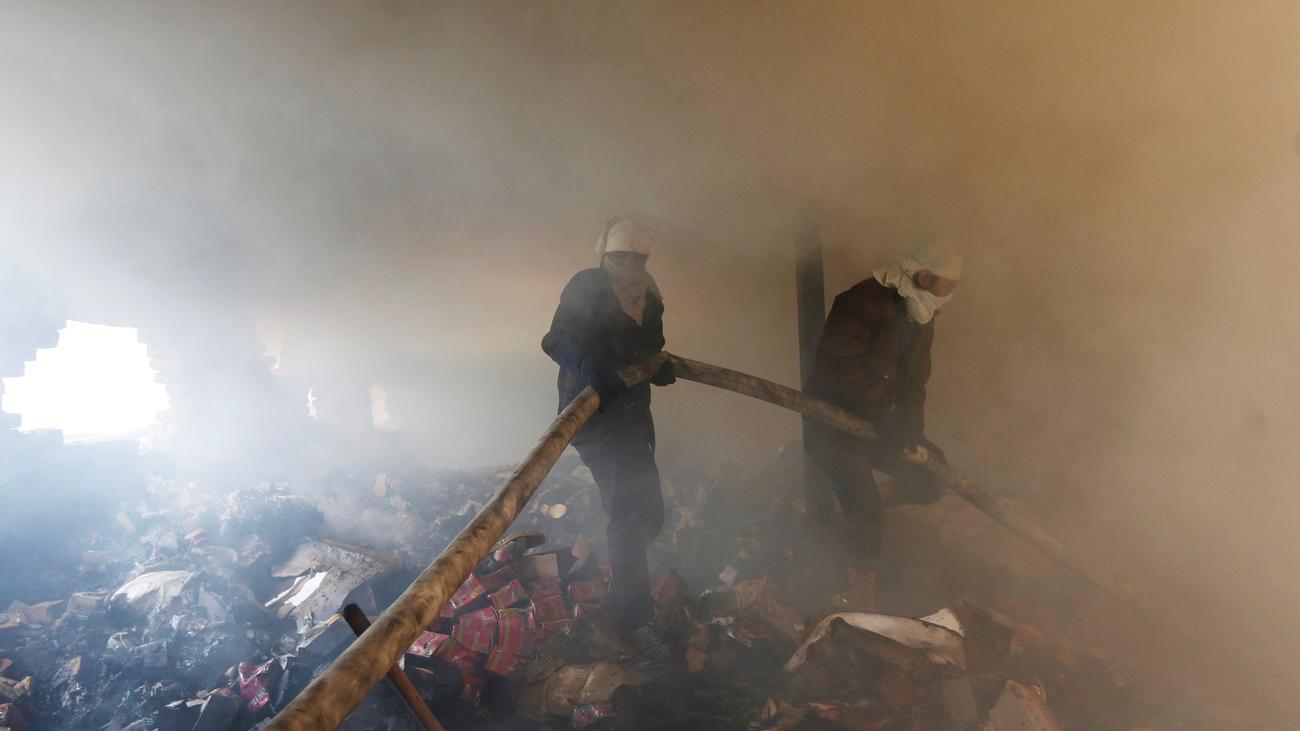 Indien : Mindestens 43 Tote durch Brand in Fabrik in Neu Delhi