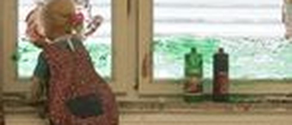 Fenster bemalen im Kindergarten