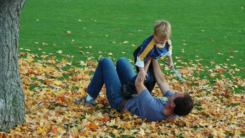 Ein Vater mit seinem Kind