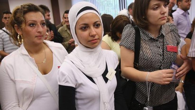 Türkischstämmige Abiturientinnen mit und ohne Kopftuch