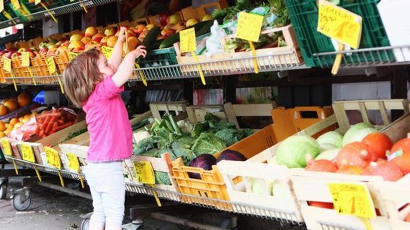 Familienglück: Gemüse einkaufen macht noch Spaß.
