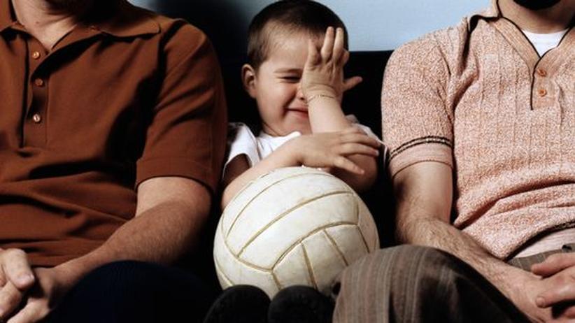 Verfassungsgerichtsurteil: Auch wenn das adoptierte Kind zu beiden Papa sagt – rechtlich hatte bisher nur ein Vater das Sorgerecht.