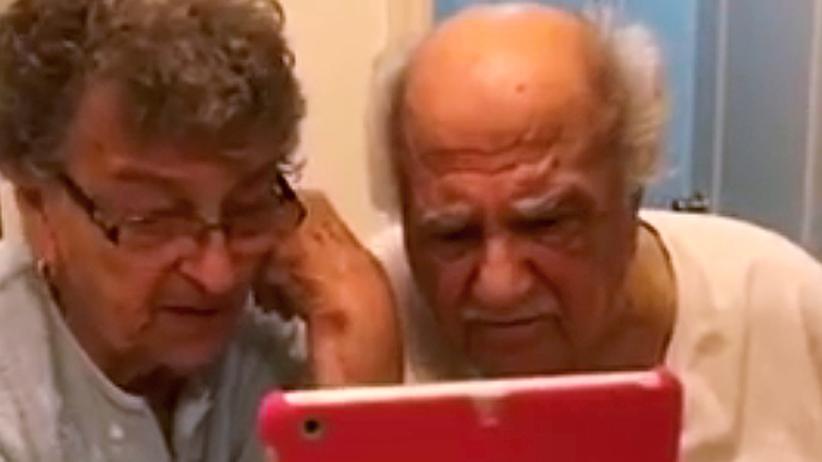 Großeltern USA Video Face Time Enkelin