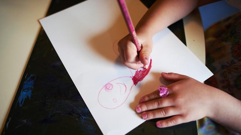 Kinderbetreuung: In Deutschland fehlen weiterhin Kitaplätze.