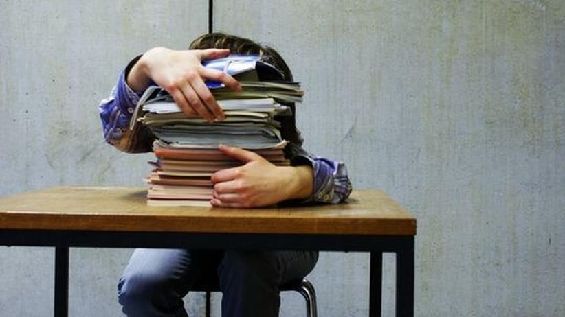 Schulstoff: Müssen Schüler zuviel lernen?