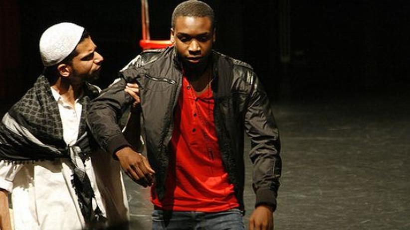 Theater gegen Gewalt: Einer ist cool, einer macht Faxen, einer redet von Ehre
