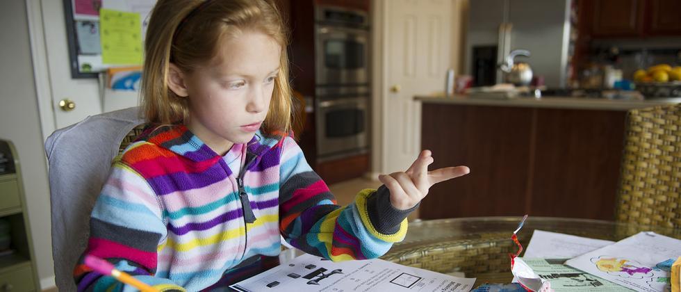 Mädchen Hausaufgaben Hilfe