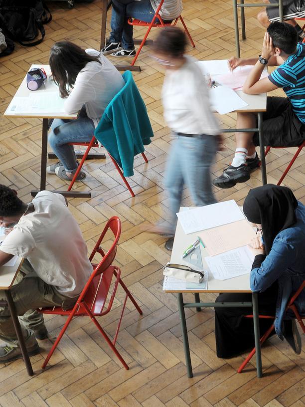 Studium, #CampusRassismus, Hochschule, Charlie Hebdo, Rassismus, Paris