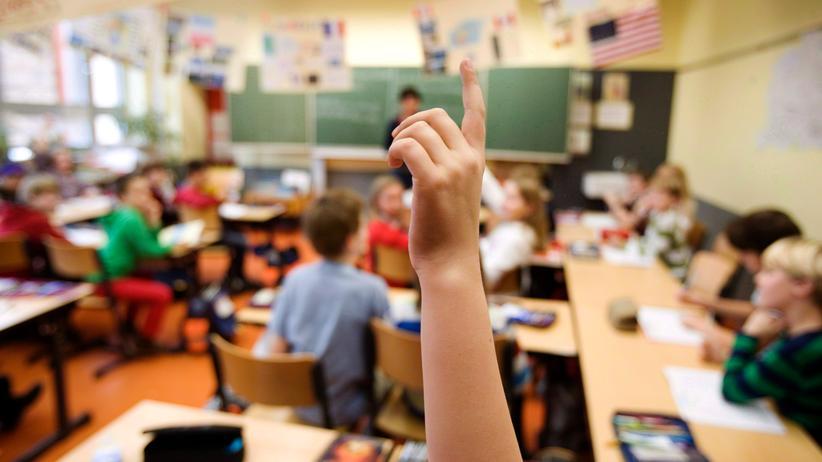 Bildung: Kinder der vierten Klasse während des Unterrichts an einer Bonner Grundschule