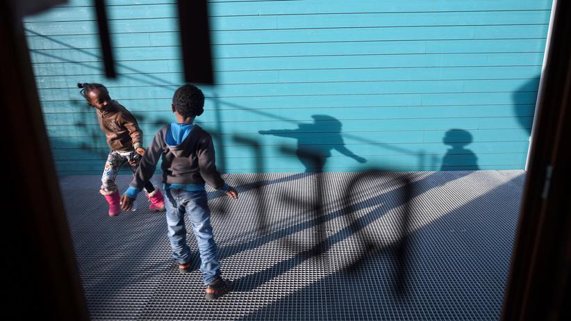 Unesco-Weltbildungsbericht: Etwa 30 Prozent der unbegleiteten minderjährigen Flüchtlinge in Deutschland besuchten im vergangenen Jahr Sonderklassen.