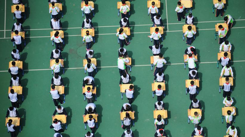Smart-Uniform: Chinesische Schulen überwachen Schüler per Uniform