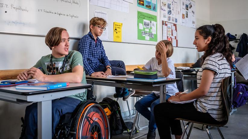 Inklusion : 80 Prozent aller Eltern, deren Kinder eine inklusive Schule besuchen, finden, dass Inklusion ihren Kindern guttut: Klassenzimmer an der inklusiven Sophie-Scholl Schule in Berlin