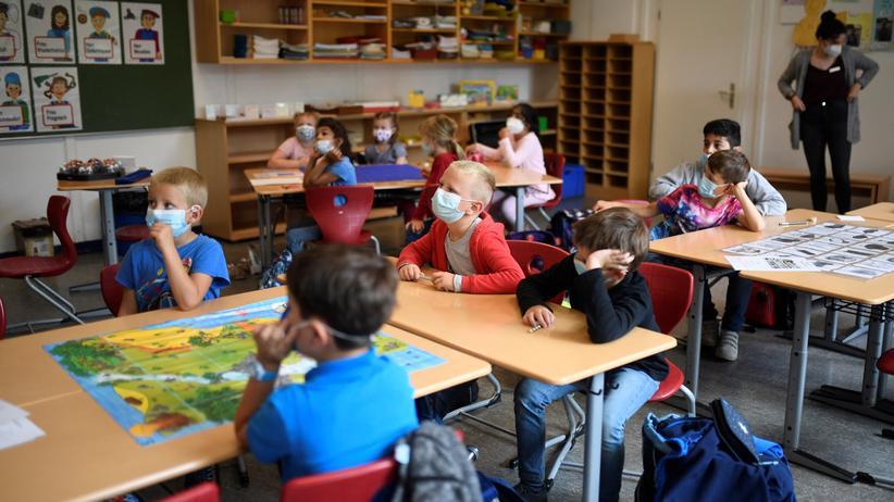 OECD-Bildungsbericht: Corona-Pandemie beeinträchtigte zwei Drittel der Unterrichtstage