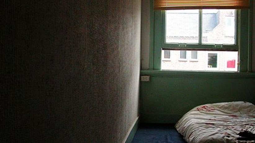 Kindesmissbrauch: Erst nach vielen Jahren, wenn die Verbrechen längst verjährt sind, können Missbrauchsopfer über ihr Leid sprechen