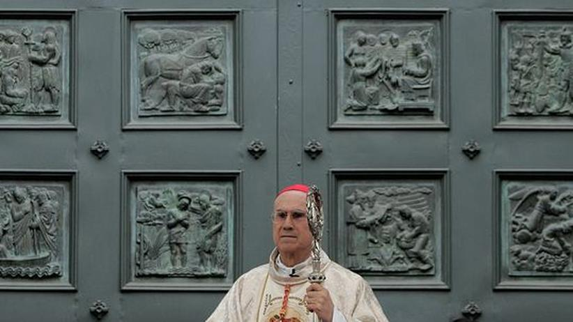 Pädophilie: Kardinal Bertone erzürnt Homosexuelle