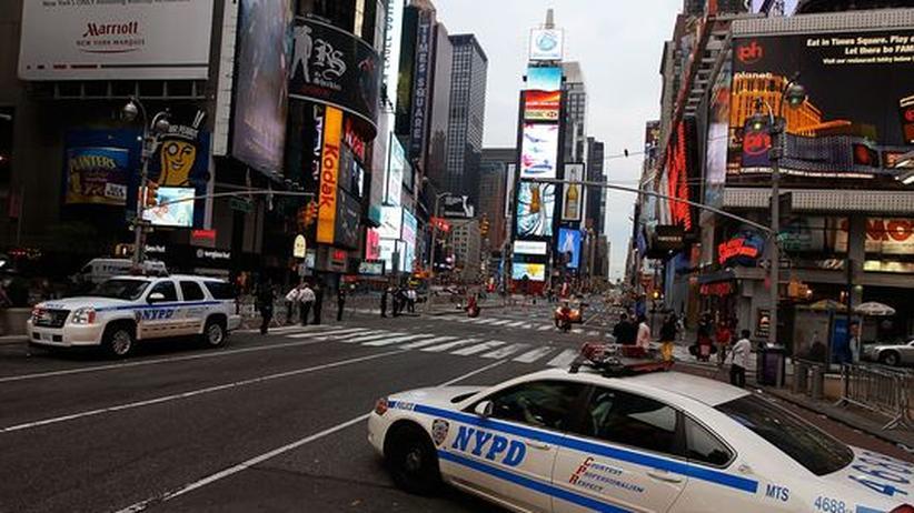 Terrorismus: Sicherheitskräfte der New Yorker Polizei am gesperrten Time Square