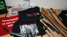 Bei einer Razzia 2010 in Brandenburg beschlagnahmte Waffen von Neonazis